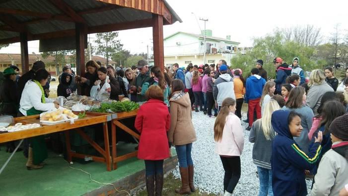 Comunidade prestigiou a inauguração da estrutura fixa