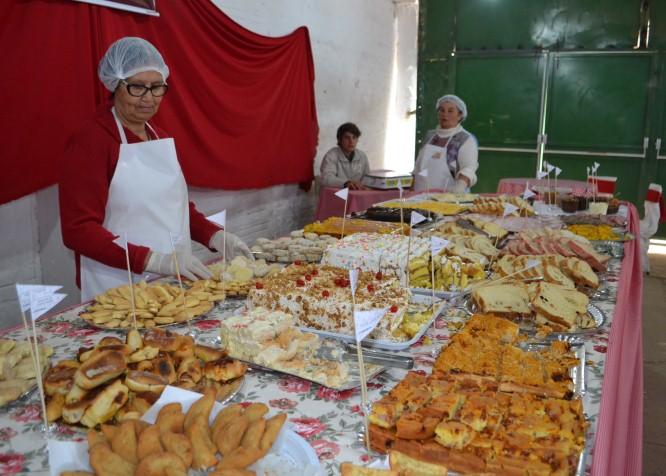 Café colonial, que é a grande estrela gastronômica da festa, está aberto ao público desde às 10h de hoje