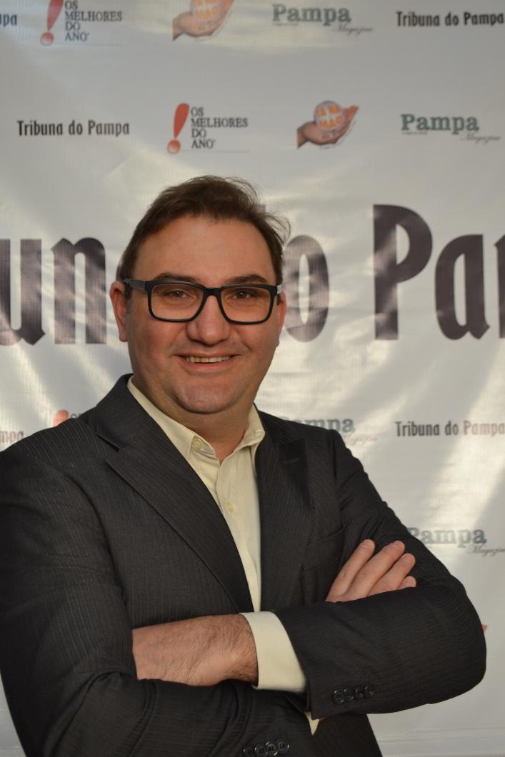 Diretor e editor da De Marca Jornal e Editora Ltda, jornalista João André Lehr
