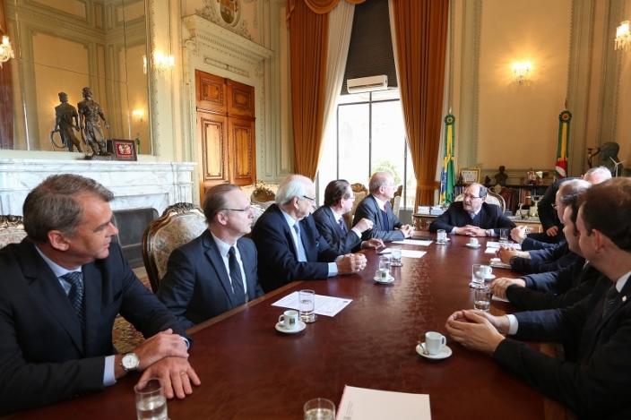 Encontro aconteceu no Palácio Piratini com o governador Sartori