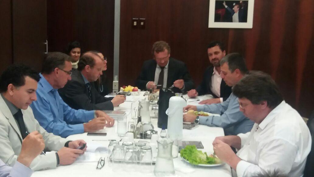 Adriano foi ouvido pela bancada petista na AL numa reunião-almoço
