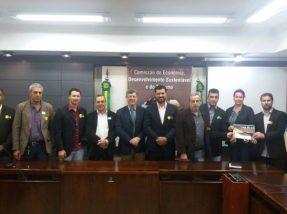 Comitiva junto com o deputado Adilson Troca (PSDB), que está propondo uma audiência pública na AL