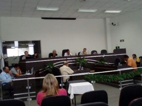 Os PLs foram votados na sessão ordinária do Legislativo desta semana