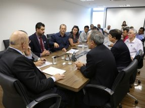 Artemio disse ao ministro que com as estiagens, muitas vezes, falta água até para consumo humano