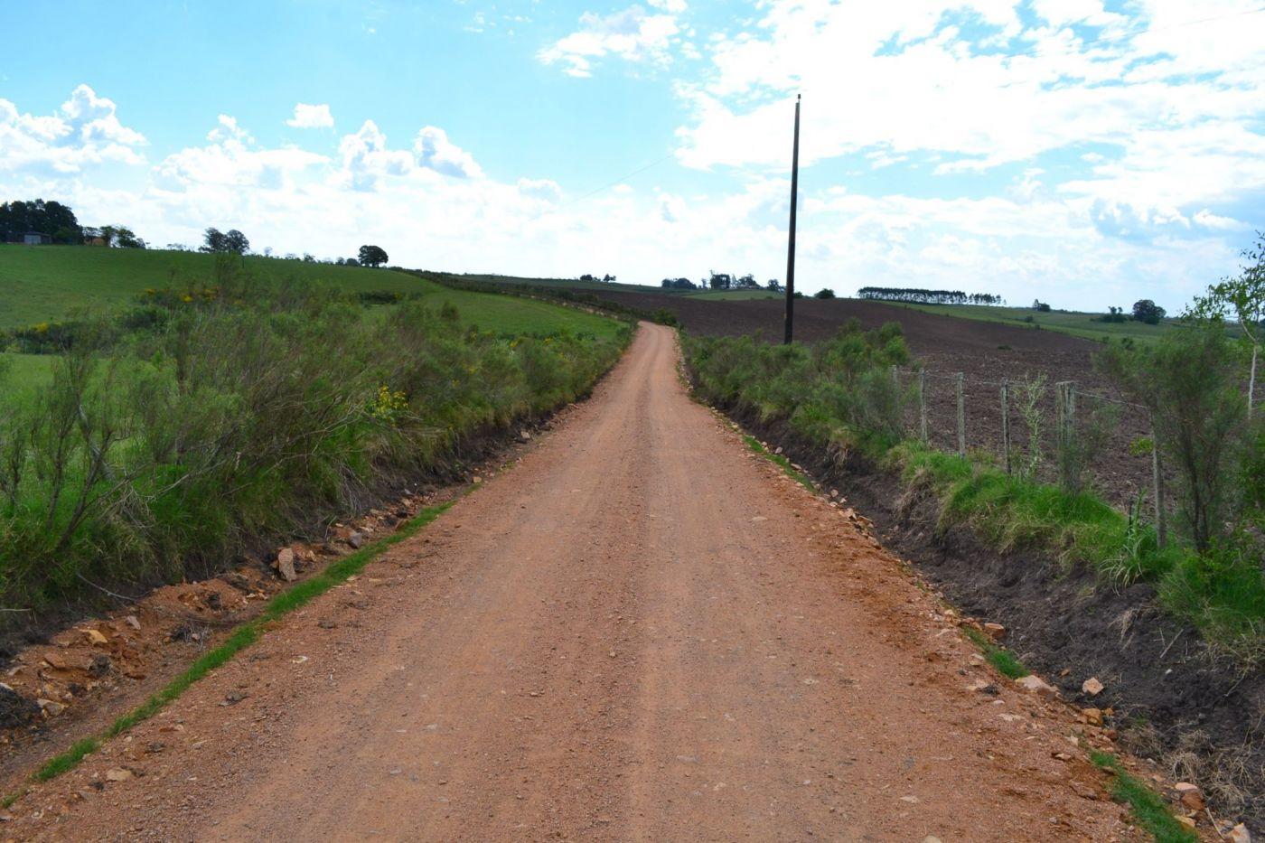de 15 quilômetros de corredores estão sendo abertos na zona rural da cidade