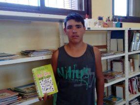 """O livro """"Diário de um Banana"""" é um dos preferidos de Matheus"""
