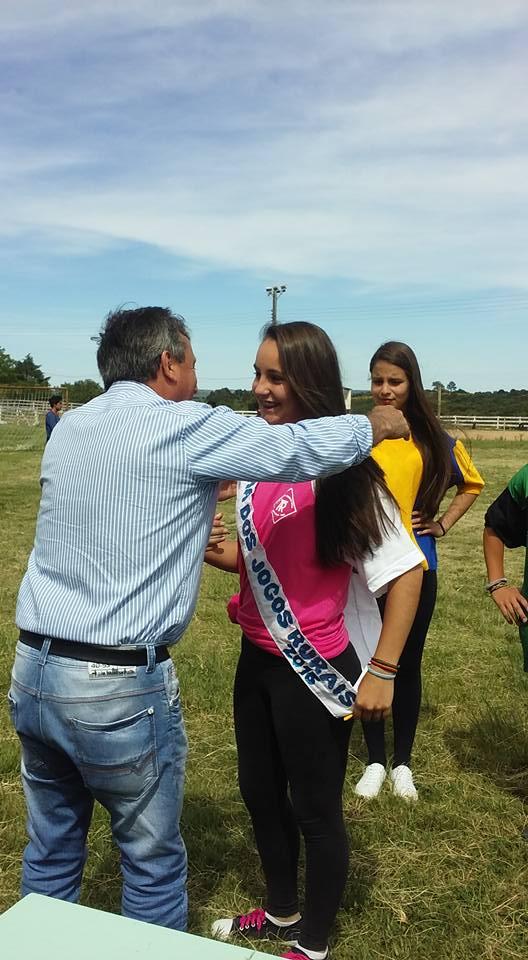 Rainha recebeu a faixa pelo prefeito Felipe da Feira