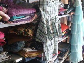 Roupas, calçados e acessórios podem ser adquiridos a partir de R$ 1