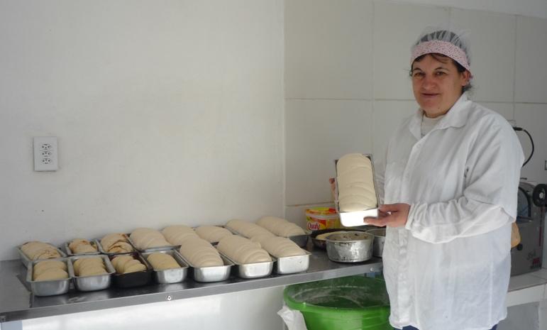 Eliziane quer vender seus produtos para a alimentação escolar
