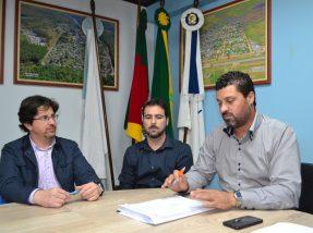 A notícia foi repassada esta semana em entrevista concedida ao TP,  com a presença do prefeito, do vice-prefeito e do secretário de Finanças
