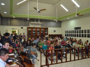 Sessão lotou as dependências do Legislativo pinheirense