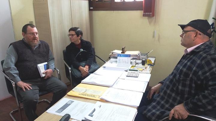 Ruibar e Iara convidaram Machado a visitar a entidade