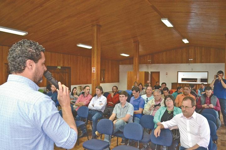 Prefeito Adriano abriu a audiência falando da importância do projeto