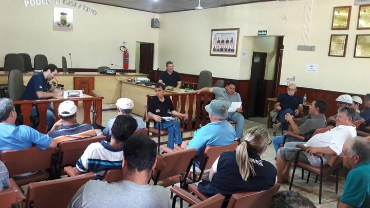 Reunião contou com a participação de um bom número de  produtores e representantes de associações