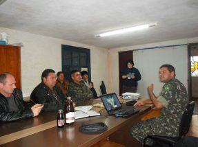 Encontro reuniu produtores, equipe da Emater, Prefeitura e Exército.  Produtos foram degustados ao fim do encontro