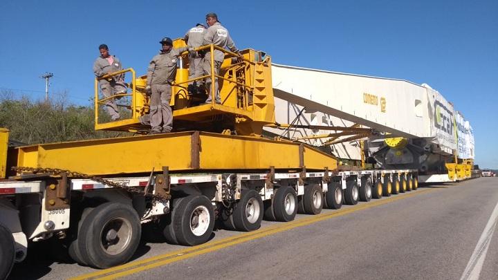 Conjunto pesa quase 900 toneladas