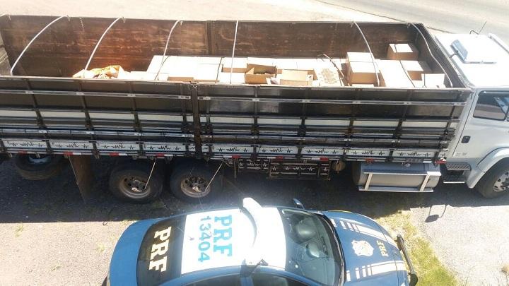 Mercadoria estava no compartimento de carga do caminhão, com placas de Lavras do Sul