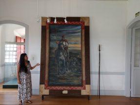 A acadêmica de história Franciele Domingues, fez um tour com a reportagem do Tribuna do Pampa, apresentando a história do local.