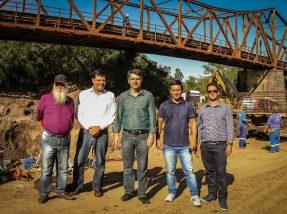 Acompanhado de lideranças do município, Secretário da Casa Civil,  Fábio Branco , visitou a obra da nova ponte