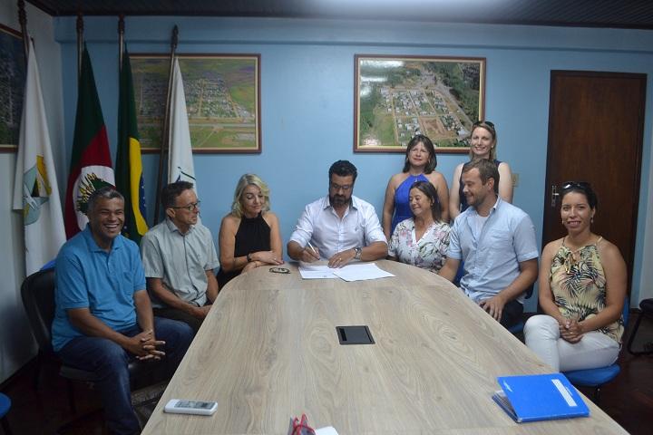Prefeito Adriano dos Santos assinou as nomeações