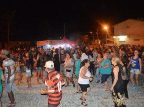Ao fim de cada noite, público presente se divertiu ao som das marchinhas