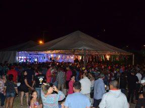 Público lotou o largo da praça Dario Lassance