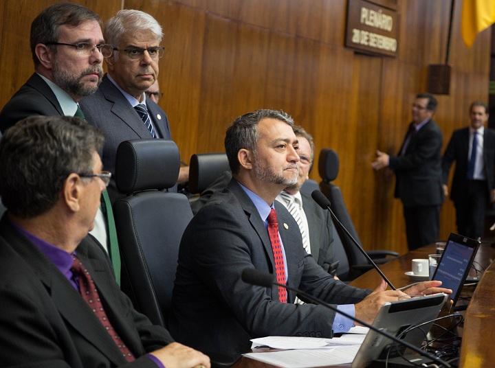 Edegar Pretto conduziu a última sessão plenária como presidente da Casa