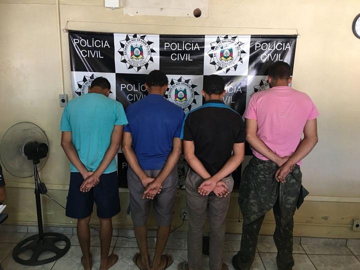 Quatro pessoas foram presas