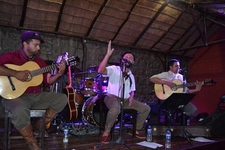 Francisco Teixeira e Juliano Santos tocaram clássicos do nativismo