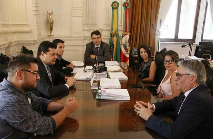 Repasse dos veículos foi anunciado durante reunião em Porto Alegre