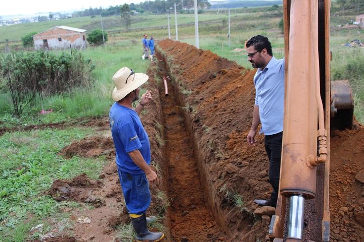 Prefeito Adriano dos Santos acompanhou o andamento dos trabalhos