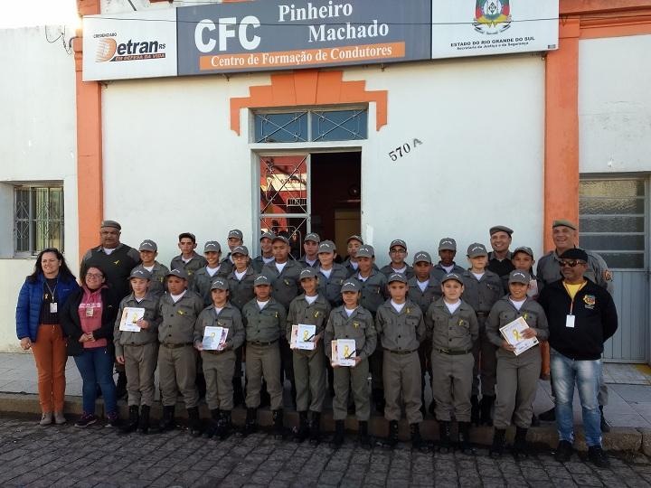 A parceria entre o CFC, Brigada Militar e Pelotão Mirim já acontece pelo segundo ano