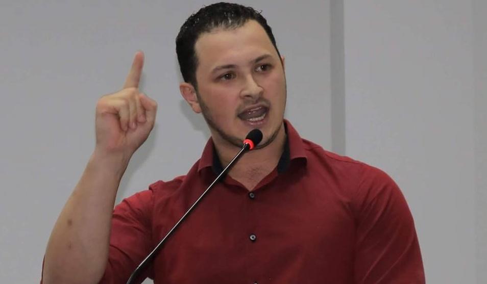 Fabrício Moraes publicou nota de esclarecimento em seu perfil de Facebook
