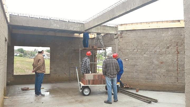 Engenheiro e secretário Wagner Tavares monitora a realização da obra