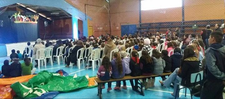 Em torno de 500 crianças participaram do evento