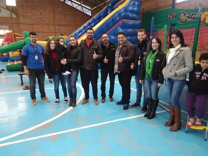 Prefeito Adriano e família, equipes da Secretaria de Cultura e do Sesc