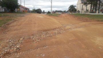 Cruzamento da Laudelino com a rua da escola Dalva Medeiros está com desníveis