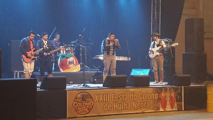 Banda Celebrai Tchê foi o primeiro show da festividade