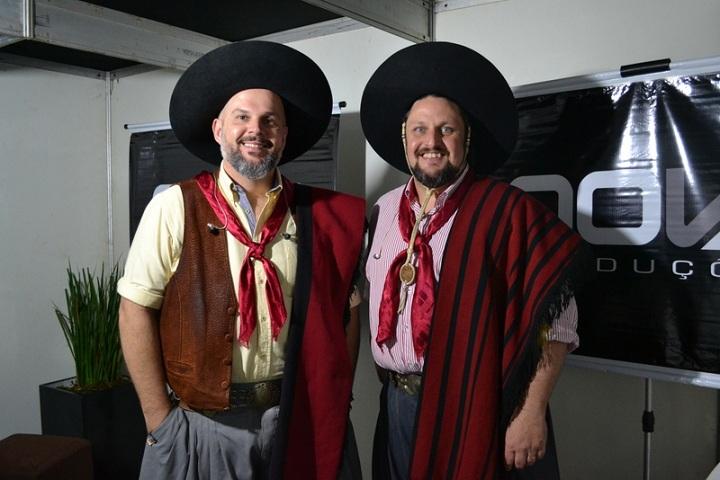 César Oliveira e Rogério Melo vão abrilhantar o início da noite de domingo