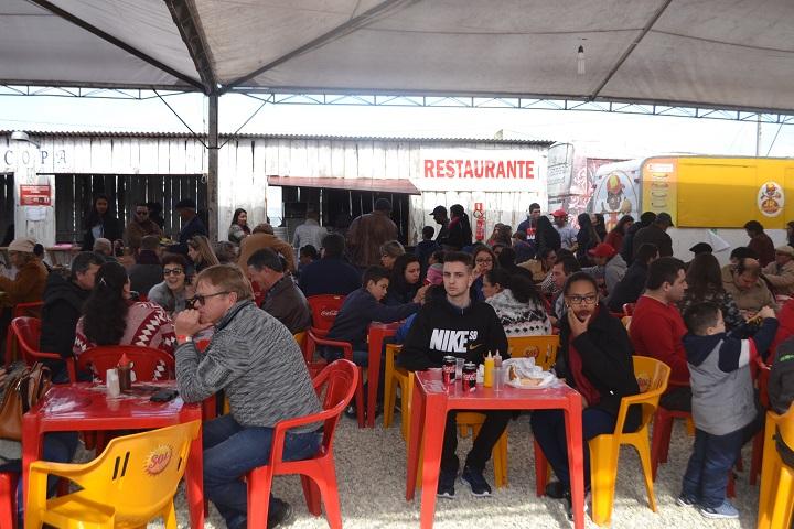 Restaurante oferta comida caseira