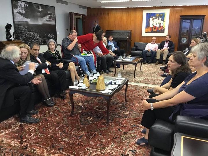 Grupo foi recebido pela ministra esta tarde