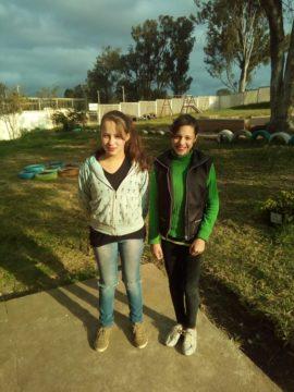 As alunas Carolina e Gisele participaram do mutirão