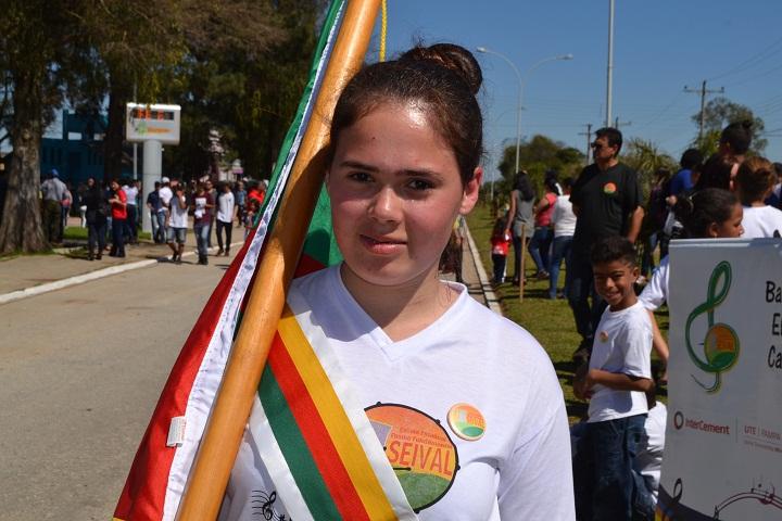 Aluna de Seival, Ingrid Rodrigues, falou da importância de representar a escola