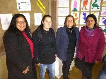 Alunas com a coordenadora da EJA, Ana Lúcia Dutra